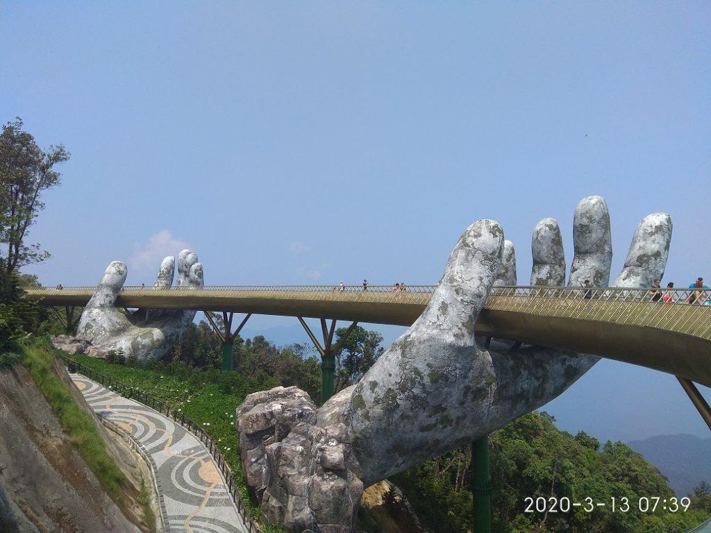Самостоятельная экскурсия в парк отдыха Бана Хиллс и Золотой мост