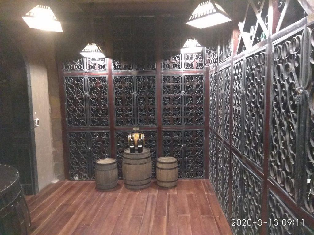 Винный погреб Debay